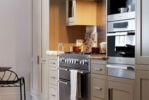 Yummy Kitchens / by Brandi Wigley