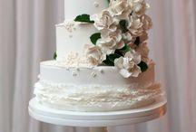 Incredible Sugar Flowers / by The Cupcake Lady (SA)
