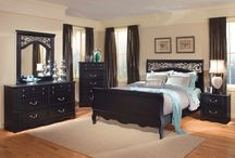 Bedroom / by Candace Ginos