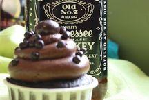 Cupcakes NOT Muffins / by Deedra Martinez