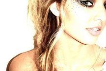 I Put On My Make-Up / by Kaylie Pederson
