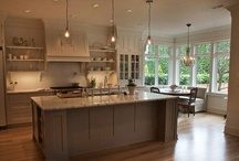 Kitchens / by Lindsay Romney