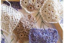 Doilies - crochet, knit, etc. / by Alma Hernandez de Rojas