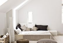 Bedrooms / Beautiful places to sleep / by Berta Viteri Ramírez