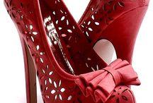 Fashion & Style  / by Fabiola Gomez