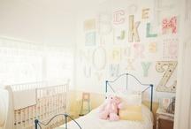 kid rooms / by Sara Ayalla