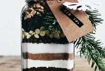 Gifts In A Jar / by Foxglove Moonshaddow