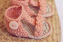 sewing , knitting , crotcheting / by Cari Ard