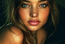 Beauty / by Alyssa Kowalski