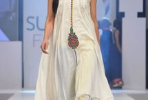 Grandeur - Pakistani Fashion / #Bollywood / by Sabeen Saleem | Mumchic