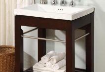 Home Decor: Bathrooms / by Dawnielle Haacke