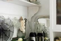 Vintage & Rustic Home -Beautiful Things / Love vintage & rustic stuff!  / by Angela Kearns