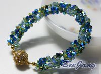 beadweaving - crossweave /daisy / by The Crafter's Apprentice