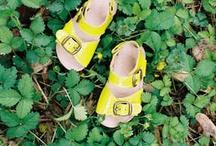 Zapatos niña / by Cecilia Suárez