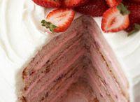 cakes / by Carolyn Suarez