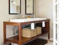 Bathrooms / by Vanessa Velez