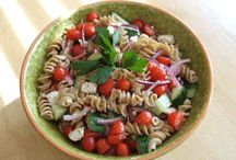Food - Salads / by Laura Evlyne