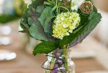 Love my flowers / by Debbie Thornton