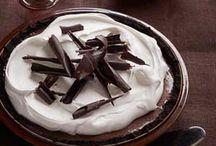 Desserts / by Michelle Goldwasser