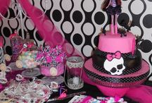 party-MONSTER HIGH / by Anabel Perez