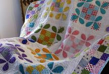 Honeybee quilts / by Leslie M