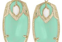 be FEMININE / Pastels of all shades add a feminine touch to an outfit and make you feel pretty! Mint, lilac, rose, pale yellow - lighten your wardrobe & layer up! #jewelry #fashion #pastel #feminine / by Kendra Scott