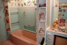 Fun in the tub - bathrooms / by Karen Holt