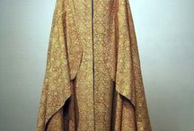 medieval fashion / by Paola Ragonesi
