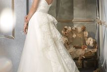 Wedding Dresses and accessories  / by Erin Carraher