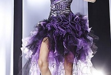Prettttyy Dresses  / by Carlee Cooper