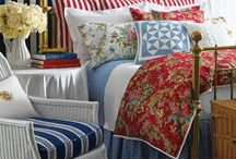 Bedroom's I love / by Kimberley Mangiantini