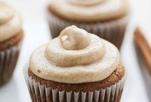 Cupcakes / by Elizabeth Brosnan