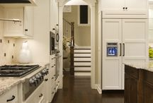 Kitchens / by Heidi Garcia