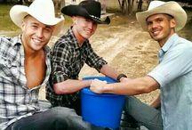 Country boys♥ / by Hailey Earnhardt