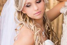 Wedding Hair Ideas / by Laura Jordan