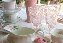 Table decorating / by Maria Bertrand