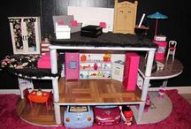 Mia's Doll House / by Rocio Gonzalez