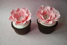 cupcake inspiration / by Marie Moussa