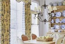 dining rooms / by Karen Roerdink