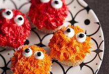 Cupcakes / #cupcakes, cupcake art / by Melinda Dame Christensen