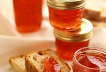 Sauces, Jams, Dressings & Seasonings / by Cherie Willingham Graupman