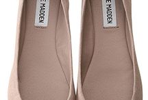 Sandals and flats / by Kelli Floyd