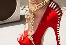 Get on my feet! / by Alice Nemeti