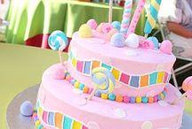 Cakes / by Sylbyha