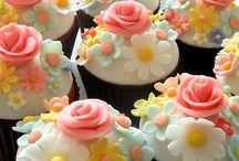 Cupcakes! / by Jen