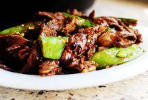 Eat: Asian Food / by Brooke Beyer