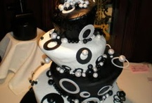 Wedding Cakes / by Sophia Turner