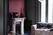 KLEUR ✽ Bordeauxrood Interieur   Burgundy Red Interior / Doe kleurinspiratie in de kleur bordeauxrood op voordat je je huis gaat veranderen. Als kleurstylist, kleuradviseur en kleurspecialist help ik je graag met kleuradvies op maat. Kijk voor meer kleurinspiratie voor je interieur op www.stijlidee.nl en vraag vrijblijvend een offerte aan via info@stijlidee.nl  / by STIJLIDEE Interieuradvies en Styling