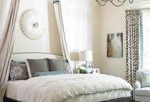 bedrooms / by Rhonda Duykers