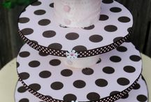 cake decorating / by Jeanne Slauter